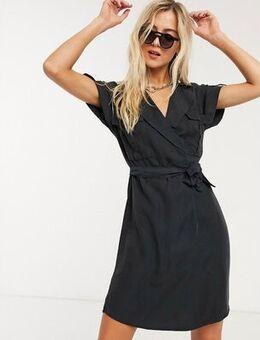 Mini shirt dress in black